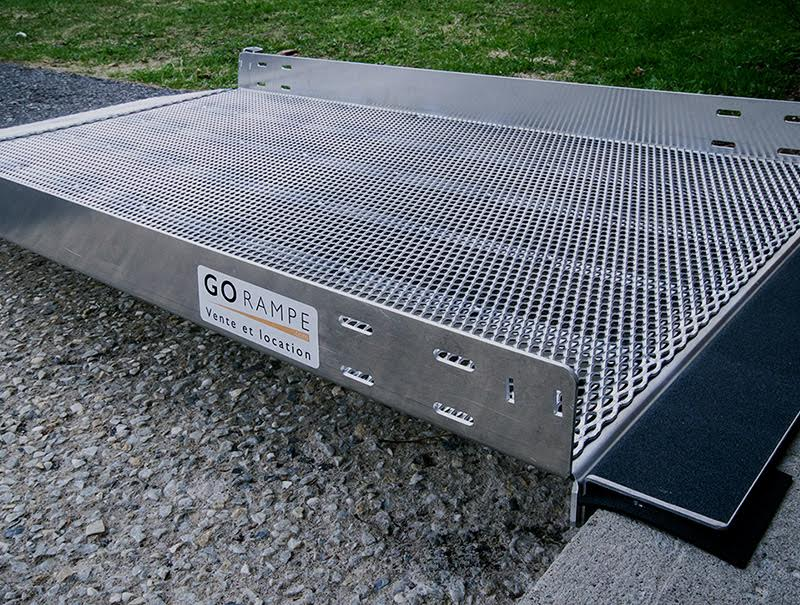 Photo : Rampe portative - Go Rampe | Rampes d'accès pour fauteuils roulants