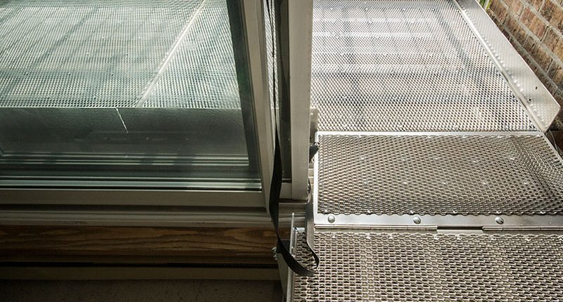 Platform for easy access to your balcony or terrace with your wheelchair.