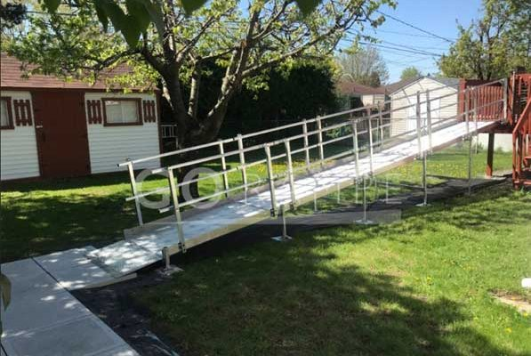 Modular access ramps for wheelchairs