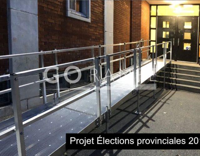 Installation d'une rampe d'accès pour personne à mobilité réduite à l'école Les Rives, à Châteauguay.